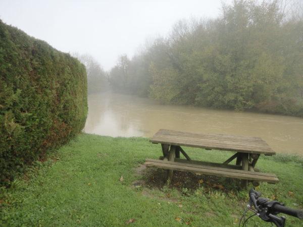 bord de rivière à saint bonnet en bresse