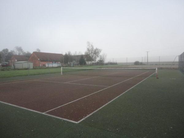 le terrain de tennis de saint bonnet en bresse
