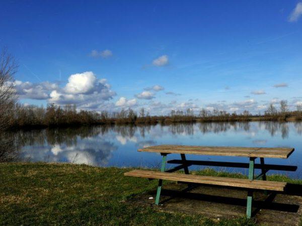 lieux du lac de fretterans